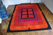 60/70er jahre teppich 'pink/black grill'