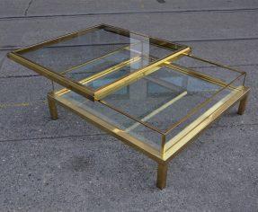vitrinen-tisch by maison jansen