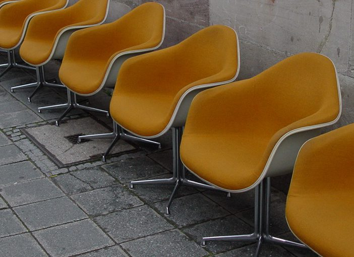 set of 6x eames DAR chair mustard