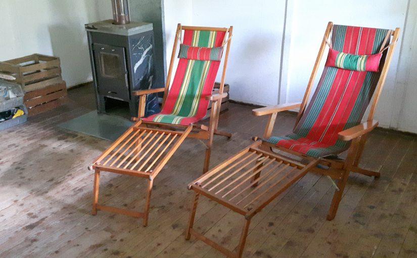 paar 30er jahre deckchairs